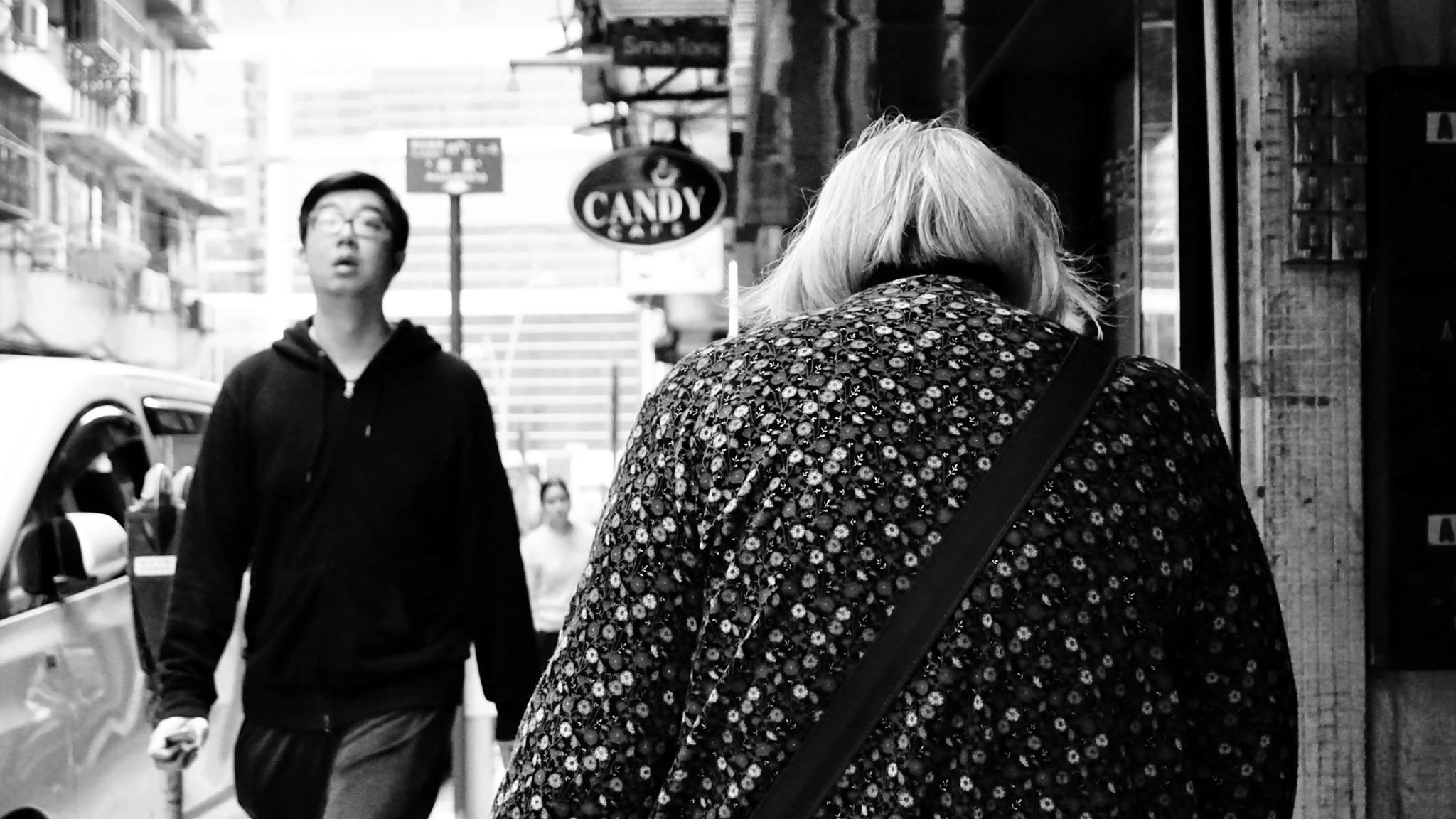 A cidade e o tempo a preto e branco e ao telemóvel-